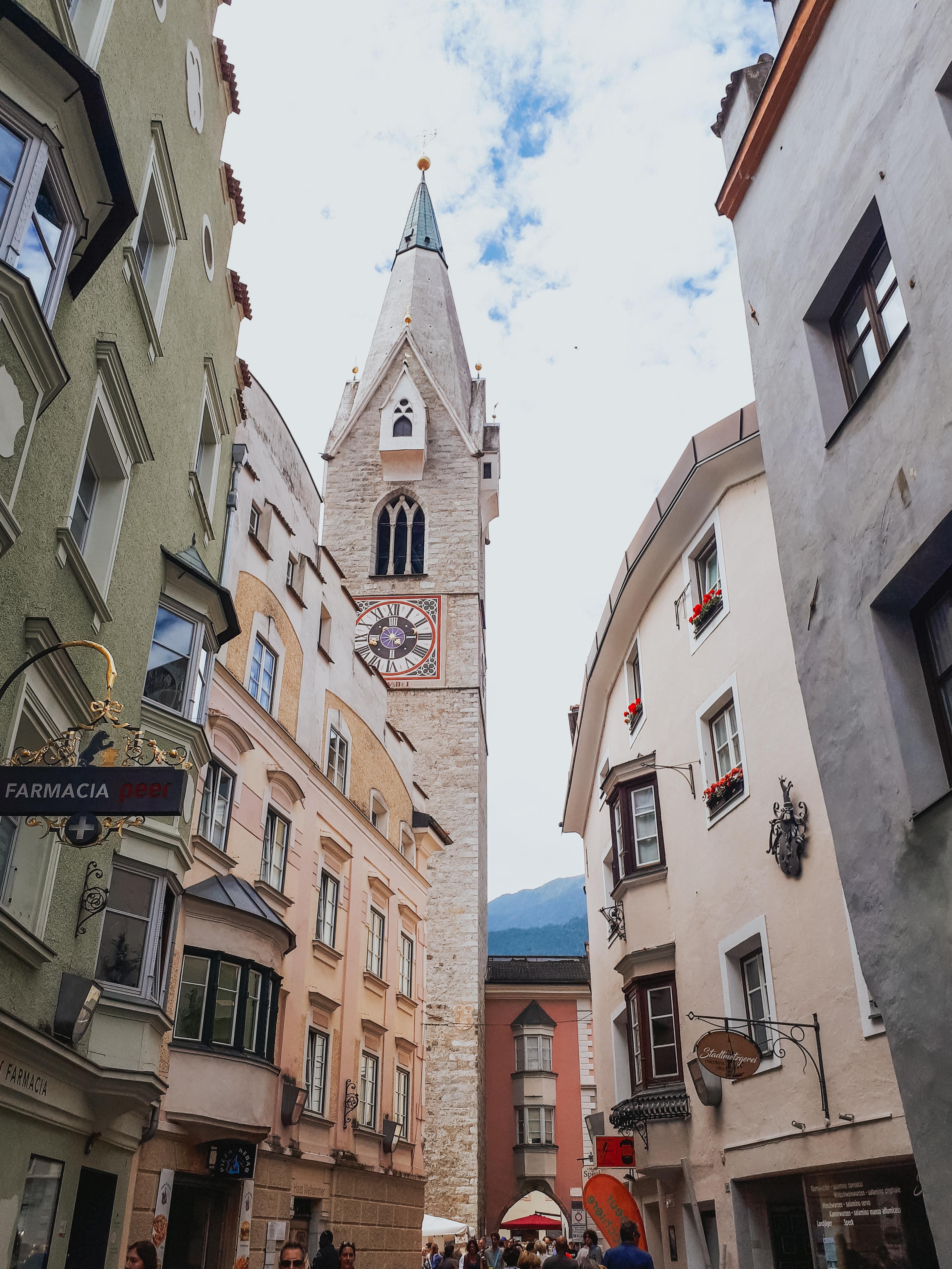 Cosa vedere a Bressanone, l'antica Torre Bianca, simbolo della città vescovile